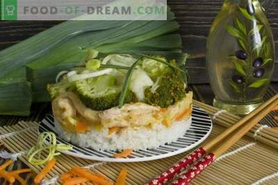 Vistas liellopu gaļa stroganoff ar puraviem, rīsiem, brokoļiem un ziedkāpostiem