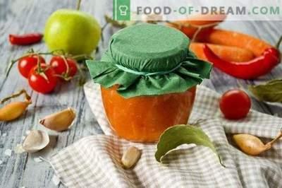 Sos pomidorowy z marchewką i jabłkami na zimę