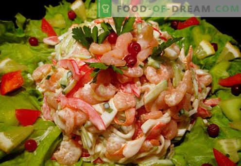 Salat mit Garnelen und Tintenfisch - bewährte Kochrezepte. Wie man einen Salat mit Garnelen und Tintenfisch zubereitet.