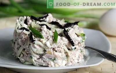 Salāti ar plūmēm, vistas un sēnēm: eleganti. Salātu sastāvs ar plūmēm, vistas un sēnēm - jaunas receptes