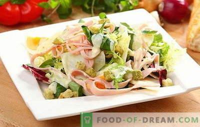 Salāti ar šķiņķi un sieru - uzkoda, ēdiens vai atsevišķs ēdiens? Noteikumi salātu gatavošanai, pildīšanai un pasniegšanai ar šķiņķi un sieru