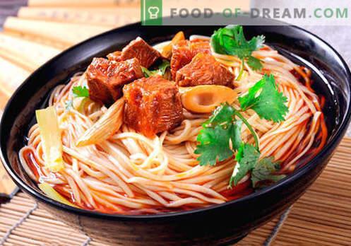 Ķīnas nūdeles - labākās receptes. Kā pareizi un garšīgi pagatavot ķīniešu nūdeles mājās.