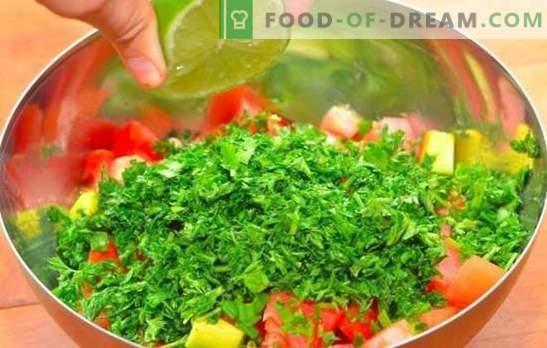 Salāti ar citronu sulu - garšīgs vitamīnu daudzveidīgais uzturs! Veselīgu salātu receptes, kas pagatavotas ar citronu sulu