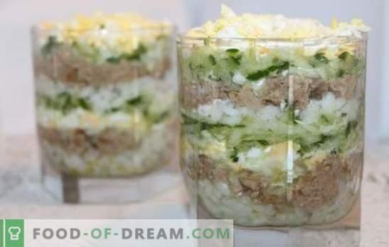 Insalata di fegato di merluzzo con riso - opzioni di cottura per uno spuntino sano. Ricette per insalata di fegato di merluzzo con riso: semplice e soffiato