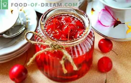 Paradīzes ābolu ievārījums - caurspīdīgs, ar veseliem augļiem. Skaidras paradīzes ābolu ievārījuma ekonomiskā versija