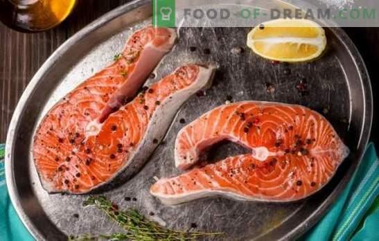 Laša steiks cepeškrāsnī, krāsnī, uz grila. Seši laša steiku varianti ar kartupeļiem, citronu, dārzeņiem