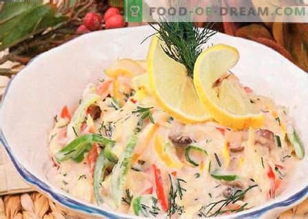 Salāti ar ceptiem šampinjoniem - labākās receptes. Kā pareizi un garšīgi pagatavot ceptu sēņu salātus.