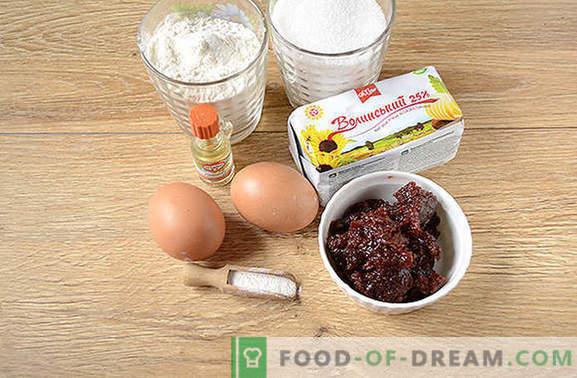 Rīvēts ievārījums ir ātrs pārsteigums no rīta. Pakāpeniska fotoattēlu recepte ar smalku kūka pīrāgu ar margarīna ievārījumu