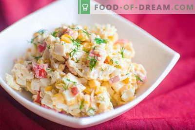 Krabju salāti - labākās receptes. Kā pareizi un garšīgi pagatavot krabju nūjiņu salātus.