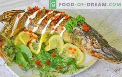 Līdaka krāsnī: soli pa solim ceptu un sautētu zivju receptes. Pierādītas soli pa solim cepeškrāsns līdakas receptes, veselas un gabalos