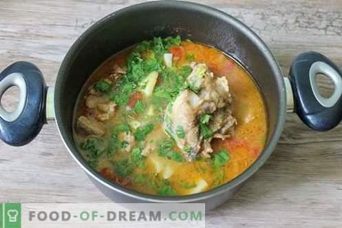 Shurpa de cerdo - un primer plato abundante y rico
