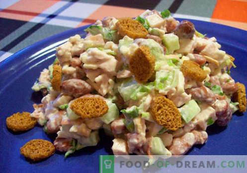 Salāti ar pupiņām un krekeriem - pārbaudītas receptes. Kā pareizi un garšīgi pagatavoti salāti ar pupiņām un krekeriem.